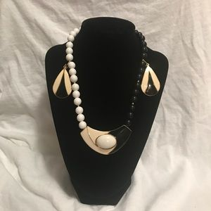 Antique Costume Jewelry envoke